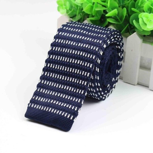 Navy Knitted Tie: Polka Dot Patterned